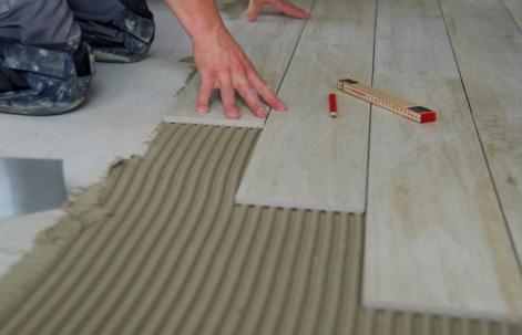 Posa pavimenti: le tecniche per interno e esterno